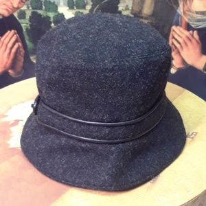 Coach turnlock wool and leather hat